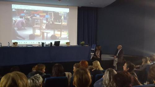 Il Prof. Aucouturier mostra uno dei suoi video sulla PPA
